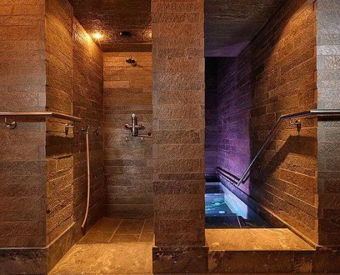 Hot water pool + shower